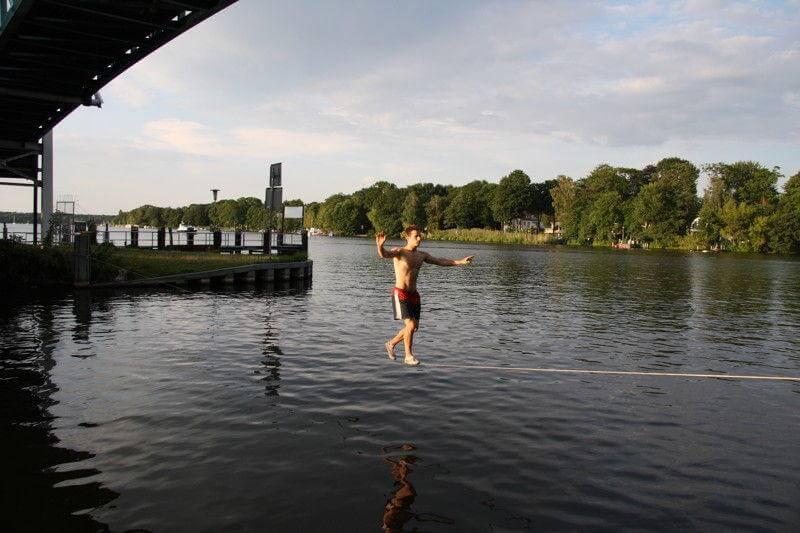 20 Meter lang über das Wasser